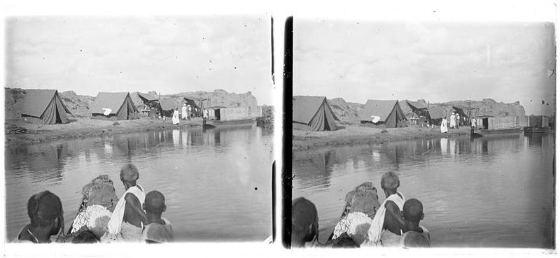 [Campement sur le bord du fleuve Niger]