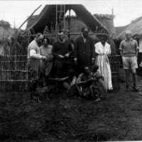 Entrée de la villa Médicis Griaule Lifhitz, Roux, Abba  Jérome, esclave, Leiris, enfant etc...