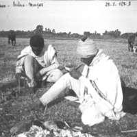 Djemberi et Aklil Djemberi écrivant