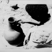 [Ethiopie ]  - Modelage poterie falasa - Modelage de l'anse<br /> <br />