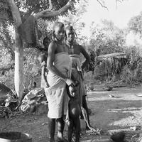 Près de Ram (Cameroun) - Femme Bororo et enfant
