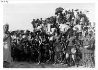 Reconstitution de danses masquées à Sanga en 1935